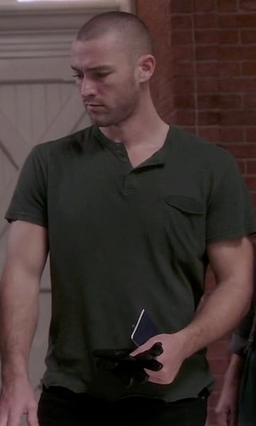 Jake McLaughlin with Kenneth Cole Reaction Split V-Neck Henley Shirt in Quantico