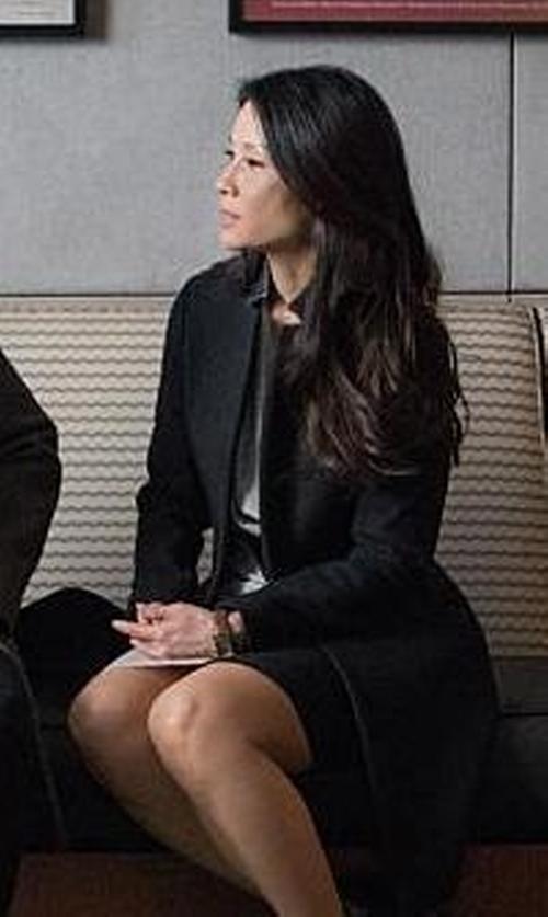 Lucy Liu with Elie Tahari Bennet Seasonless Wool Pencil Skirt in Elementary
