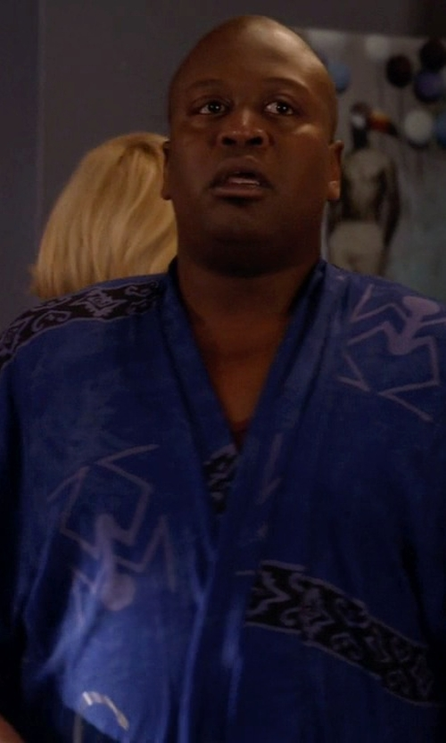 Tituss Burgess with Oscar de la Renta Short Kimono-Sleeve Wrap Robe in Unbreakable Kimmy Schmidt
