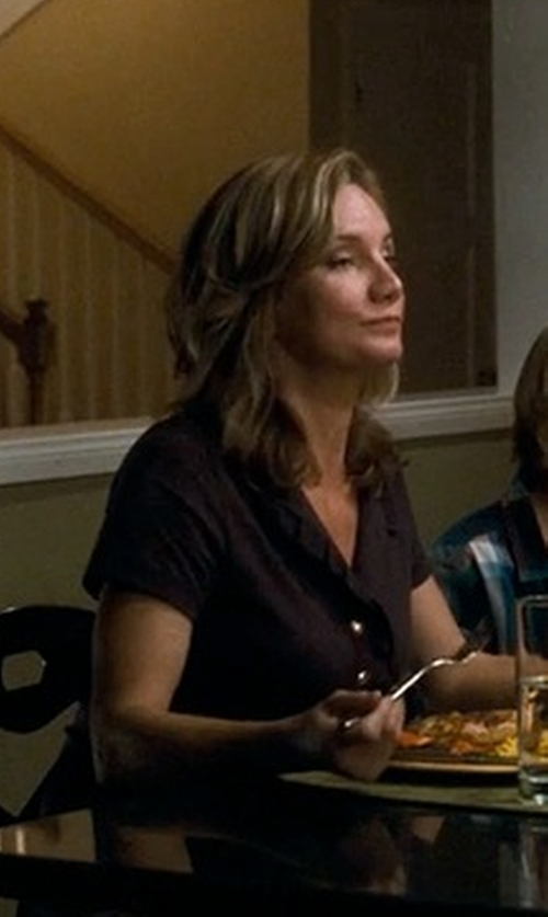 Beth Littleford with Tri-Mountain Stain Resistant Short Sleeve Twill Shirt in Crazy, Stupid, Love.