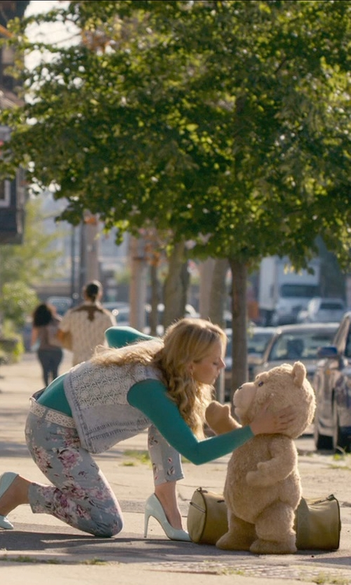 Jessica Barth with Charles David Kaso Pumps in Ted 2