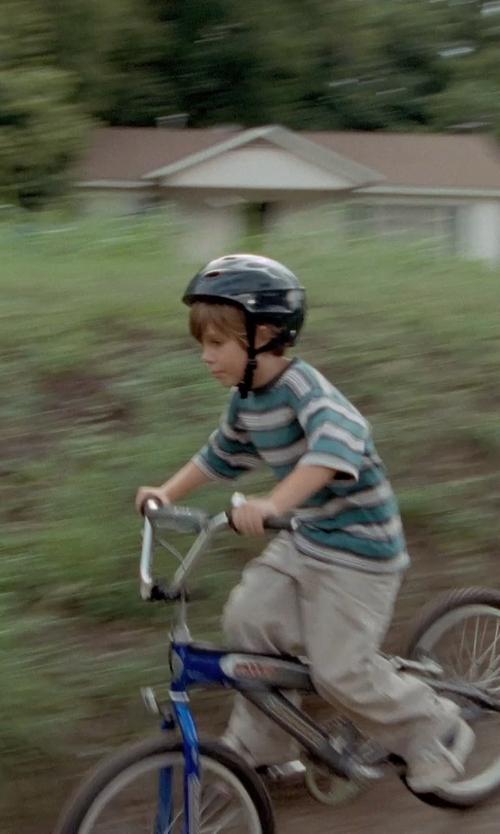 Ellar Coltrane with Razor V-17 Child Multi-Sport Helmet in Boyhood