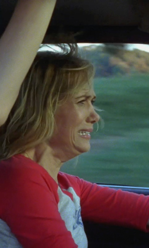 Kristen Wiig with Lucky Brand Fender Classic Logo Tee Shirt in Bridesmaids