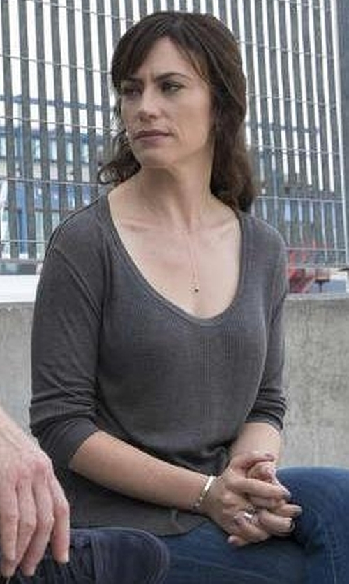 Maggie Siff with Rag & Bone/Jean 90's Long Sleeve Tee in Billions