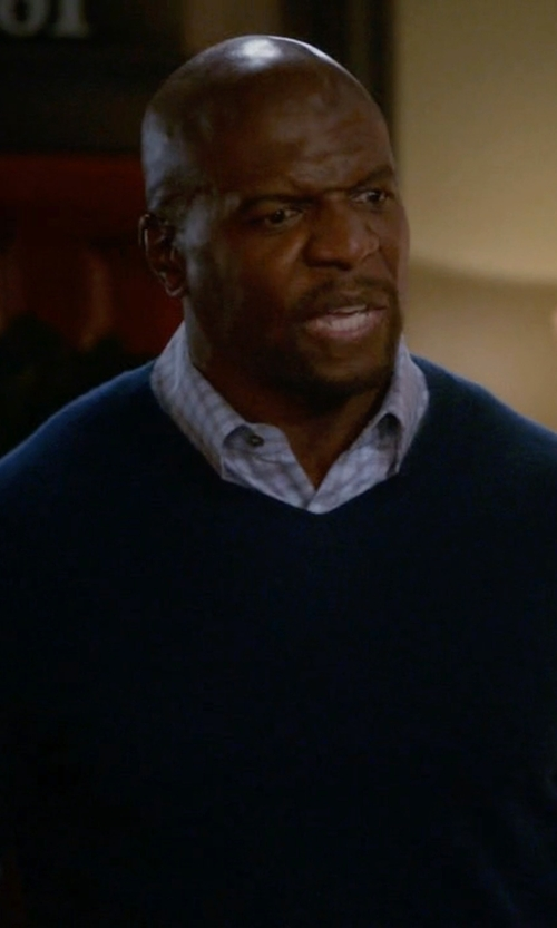 Terry Crews with Dalmine V-Neck Sweater in Brooklyn Nine-Nine