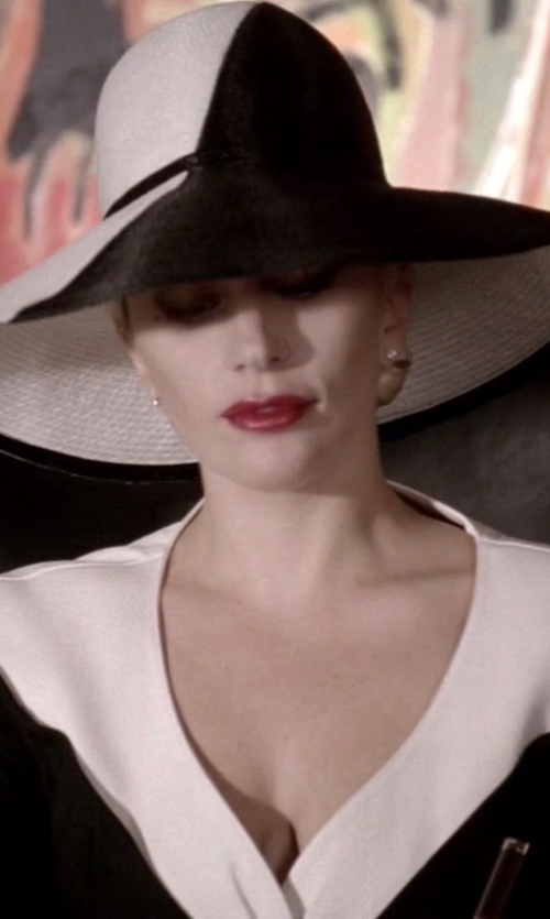 Lady Gaga with Gottex Breton Stripe Packable Toyo Straw Sun Hat in American Horror Story