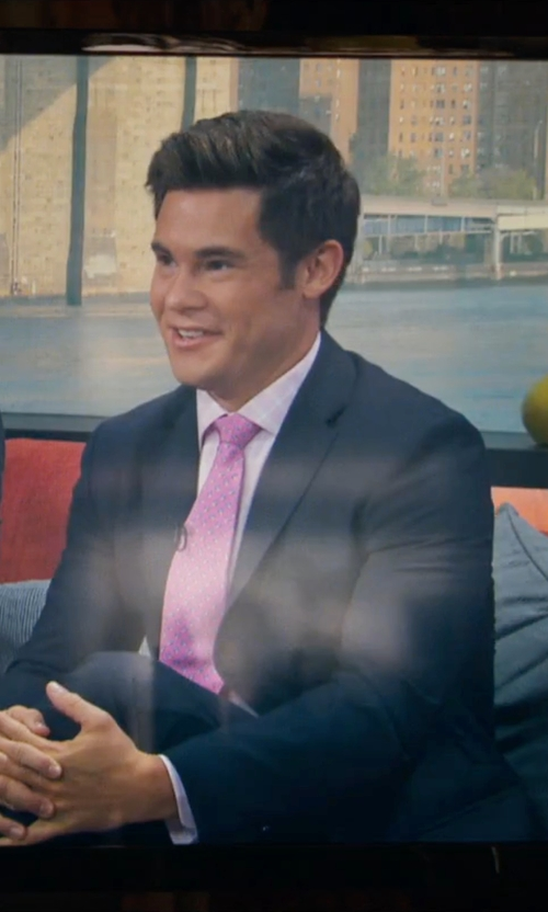 Adam DeVine with Brooks Brothers Pineapple Print Tie in Mike and Dave Need Wedding Dates