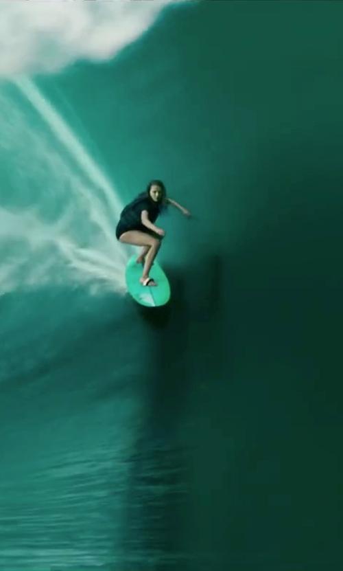 Teresa Palmer with Greco Surf Soft Top Foamboard Long Surfboard in Point Break