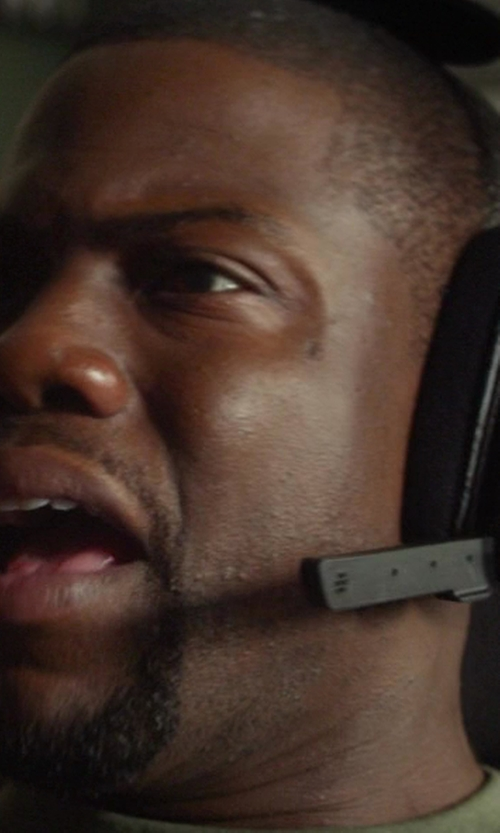 Kevin Hart with SkullCandy SLYR Gaming Headset in Ride Along