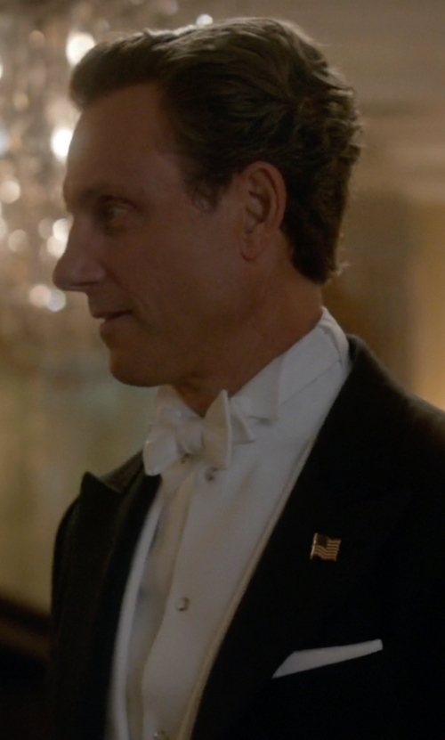Tony Goldwyn with Brooks Brothers Solid Pocket Square in Scandal