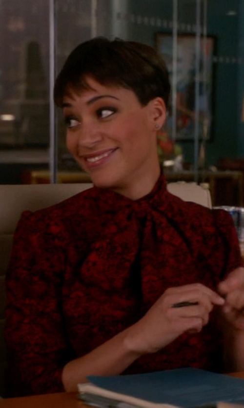 Cush Jumbo with Marc By Marc Jacobs Strawberry Theif Crepe Shirt in The Good Wife