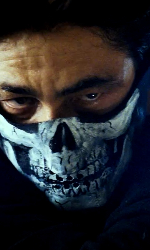 Benicio Del Toro with ZANheadgear Neoprene Skull Half Face Mask in Savages