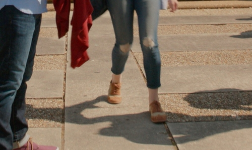 Hailee Steinfeld with Gianni Bini Wing-Tip Oxford Shoes in Pitch Perfect 2