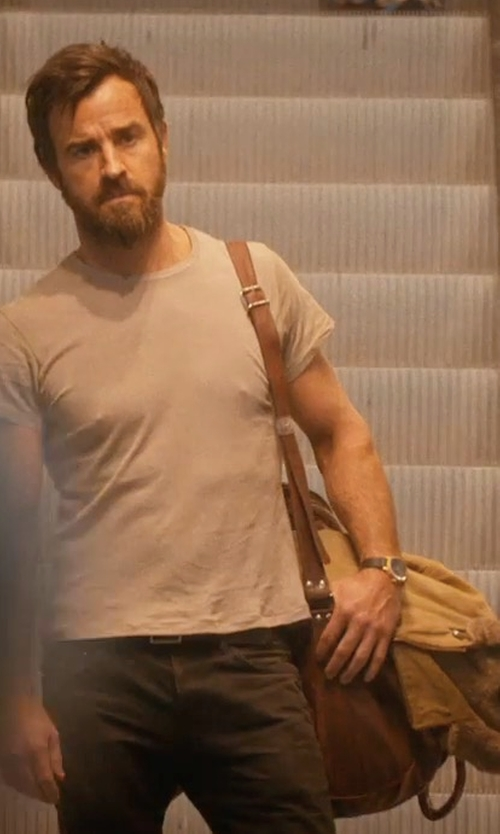 Justin Theroux with Ralph Lauren Leather Duffle Bag in The Leftovers