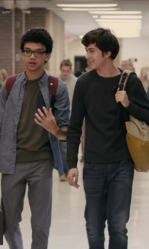 Justice Smith with Volcom Faceted Chino Pant in Paper Towns