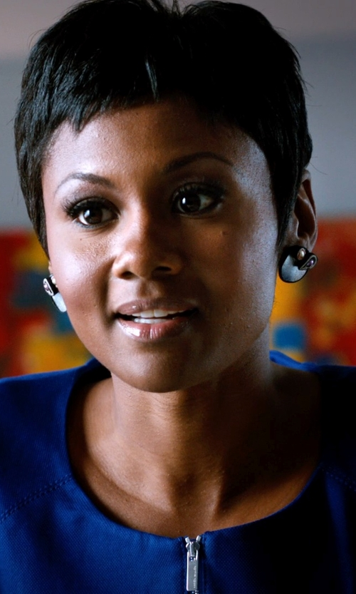 Emayatzy Corinealdi with Idin Stud Earrings Vintage Floral Circle Stud Earrings in Addicted
