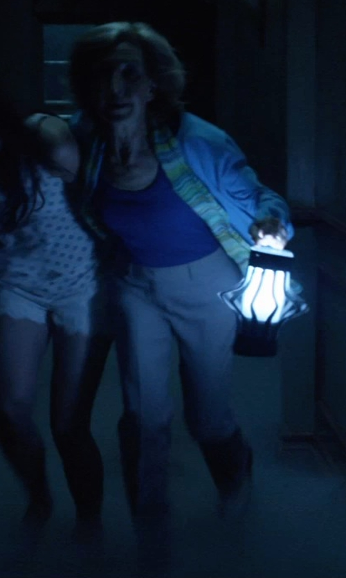 Lin Shaye with Manila Grace Low Waisted Casual Pants in Insidious: Chapter 3