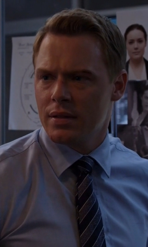 Diego Klattenhoff with Isaia	 Woven Chambray Solid Dress Shirt in The Blacklist