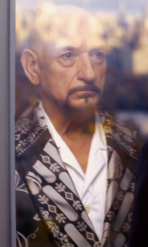 Ben Kingsley with Lab. Pal Zileri Plain Weave Lapel Collar Blazer in Self/Less
