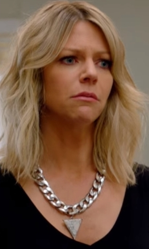 Kaitlin Olson with Uno Aerre  Plated Textured Twisted Link Chain Necklace in The Mick