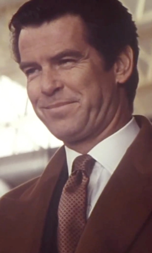 Pierce Brosnan with Ermenegildo Zegna Red And Brown Dot Square Pattern Silk Tie in Tomorrow Never Dies