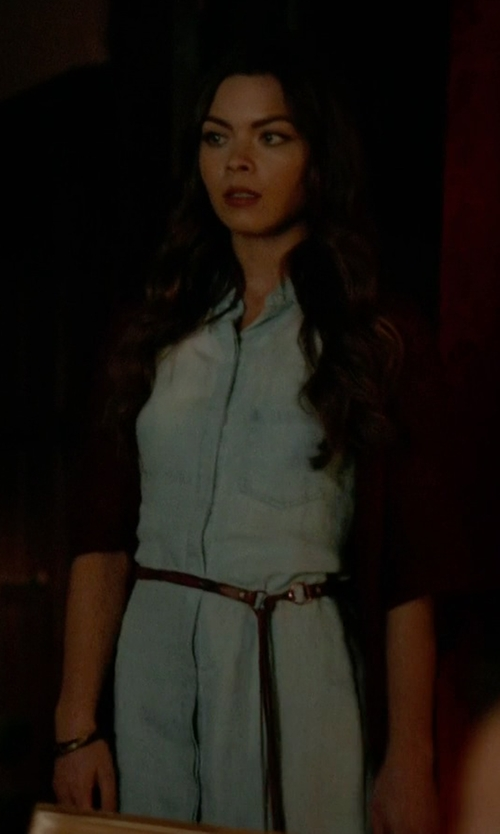 Scarlett Byrne with Kenneth Jay Lane Square Gold-Plated Bangle Bracelet in The Vampire Diaries