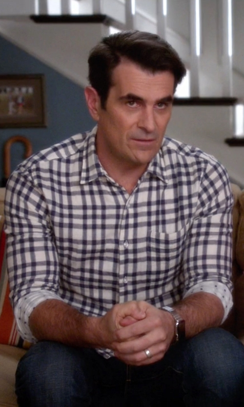 Ty Burrell with Tommy Bahama Island Modern Fit Basket Space Shirt in Modern Family