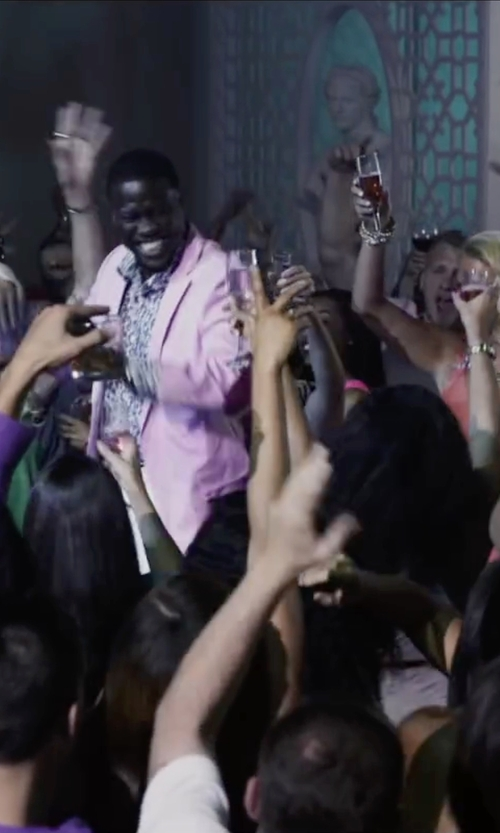Kevin Hart with Carven Single Breasted Blazer in Ride Along 2
