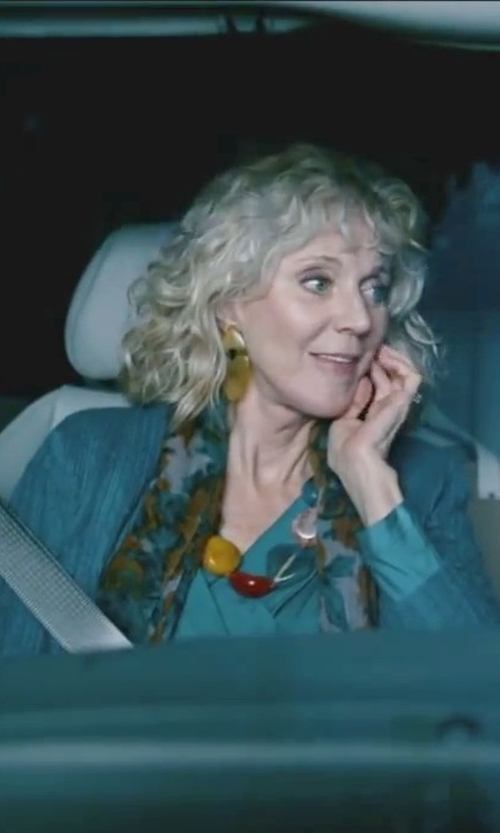 Blythe Danner with Céline Vintage Cable Knit Cardigan in Little Fockers