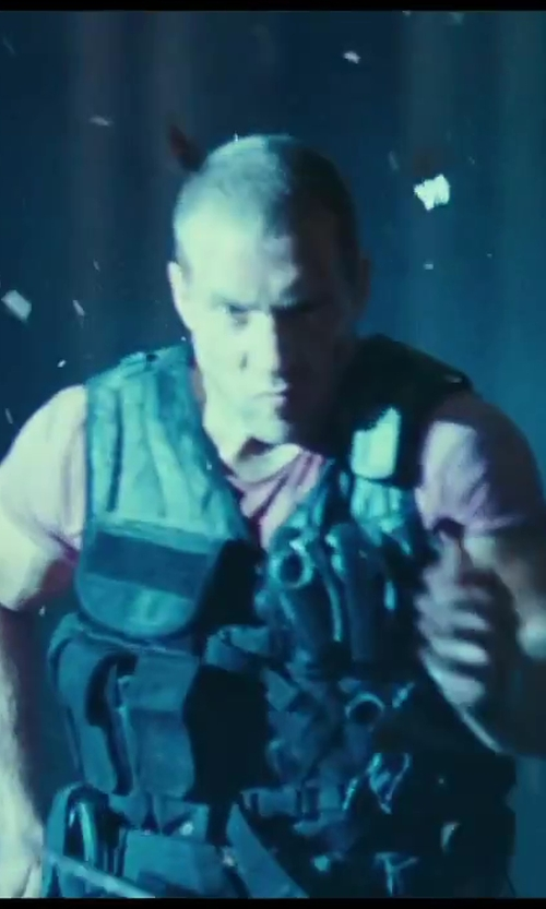 Jai Courtney with Galls Utility Tactical Vest in A Good Day to Die Hard
