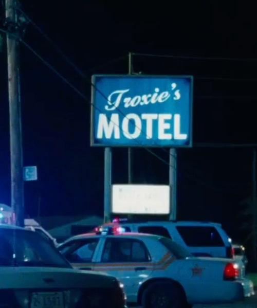Unknown Actor with Troxie Motel LaPlace, Louisiana in Jack Reacher: Never Go Back