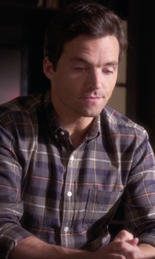 Ian Harding with Vince  Yarn-Dye Poplin Check Melrose Sportshirt in Pretty Little Liars