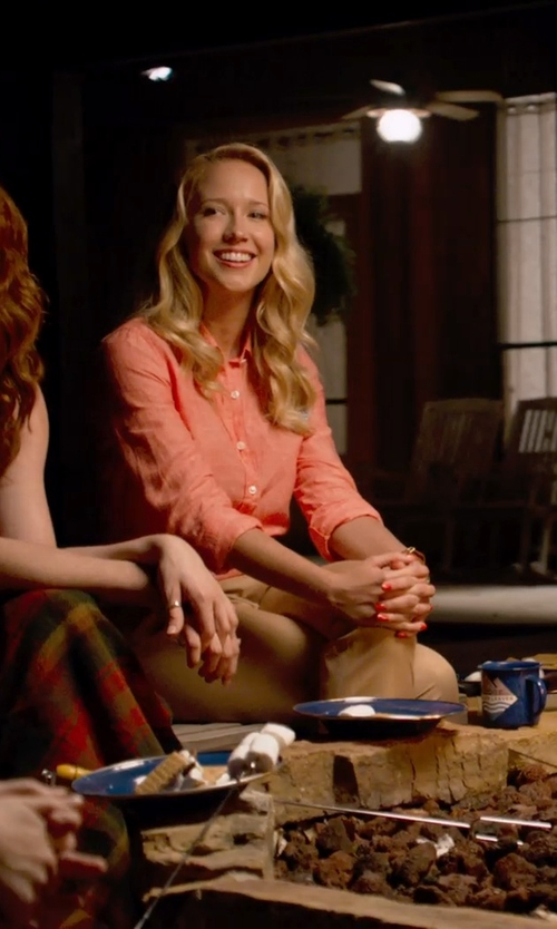Anna Camp with Twin-set Jeans Casual Skinny Pants in Pitch Perfect 2