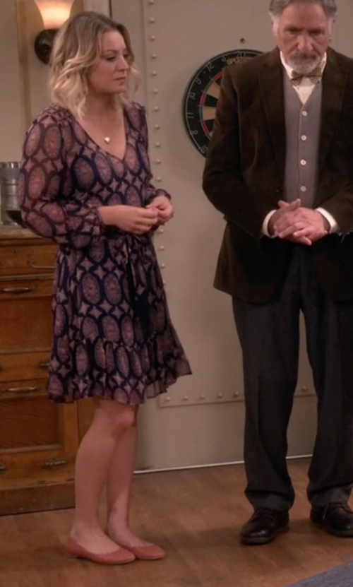 Kaley Cuoco-Sweeting with Calvin Klein Felice Flat Shoes in The Big Bang Theory