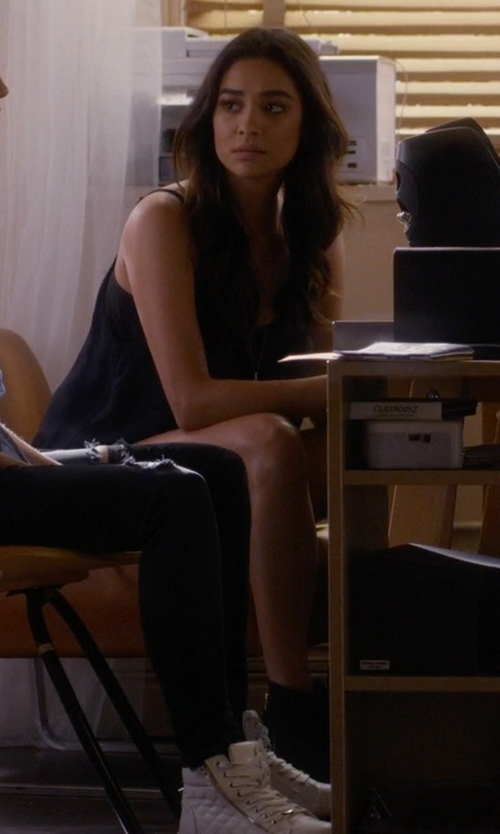 Shay Mitchell with Taos Rialto Boots in Pretty Little Liars