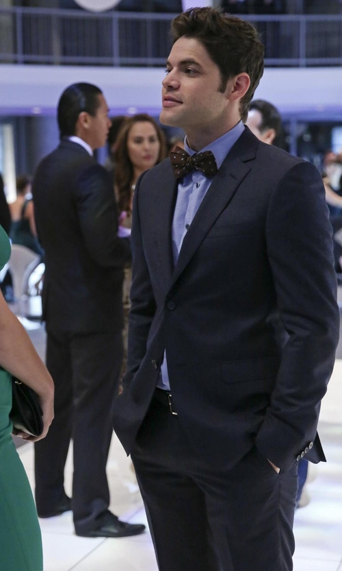 Jeremy Jordan with Lardini Two Piece Suit in Supergirl