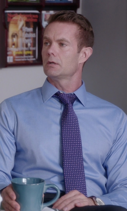 Garret Dillahunt with Eton Of Sweden Polka Dot Silk Tie in The Mindy Project