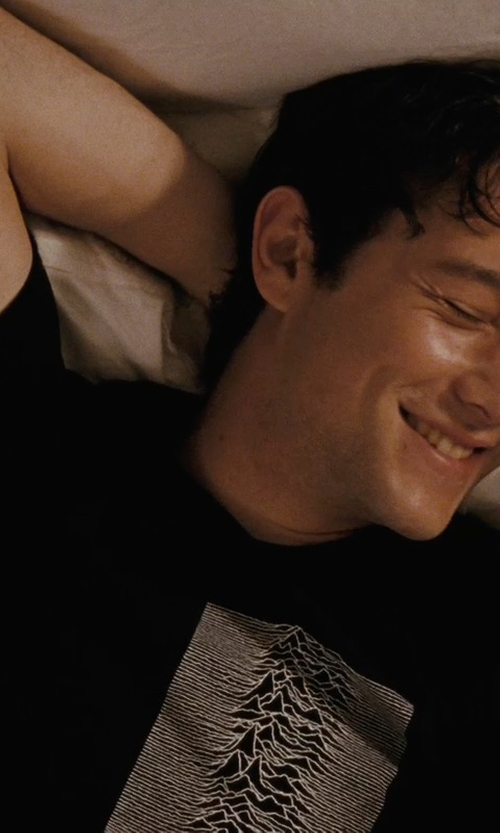 Joseph Gordon-Levitt with Joy Division Printed T-Shirts in (500) Days of Summer
