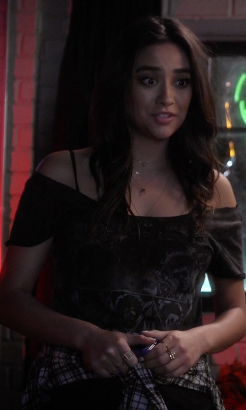 Shay Mitchell with Campbell Zen Square Ring in Pretty Little Liars