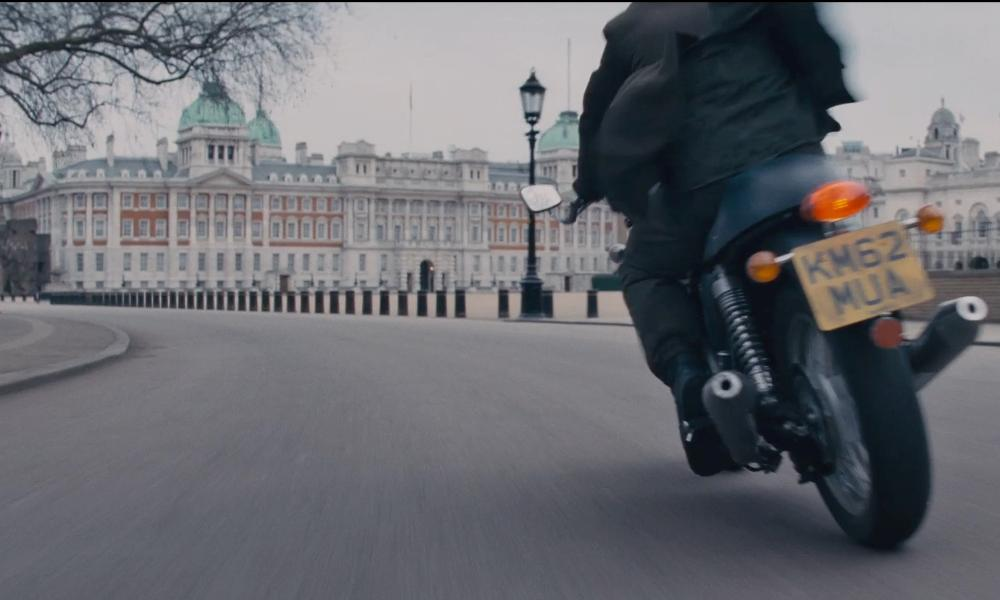 Tom Cruise with Horse guards (Building) London, England in Edge of Tomorrow