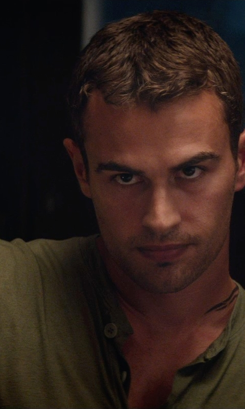 Theo James with Patagonia Cotton Short Sleeve Henley Shirt in The Divergent Series: Insurgent