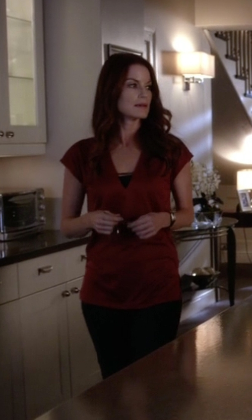 Laura Leighton with Ralph Lauren Stretch Wool Straight Pants in Pretty Little Liars