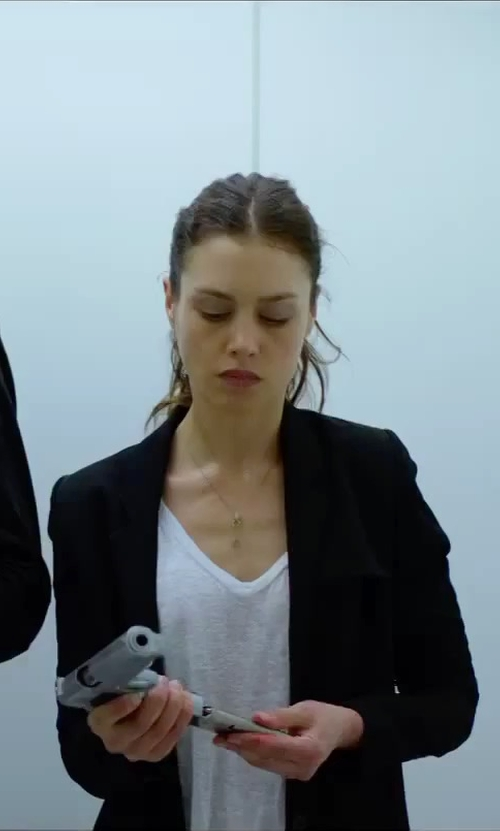 Hannah Ware with Feel The Piece Champion Slub V Neck T-Shirt in Hitman: Agent 47