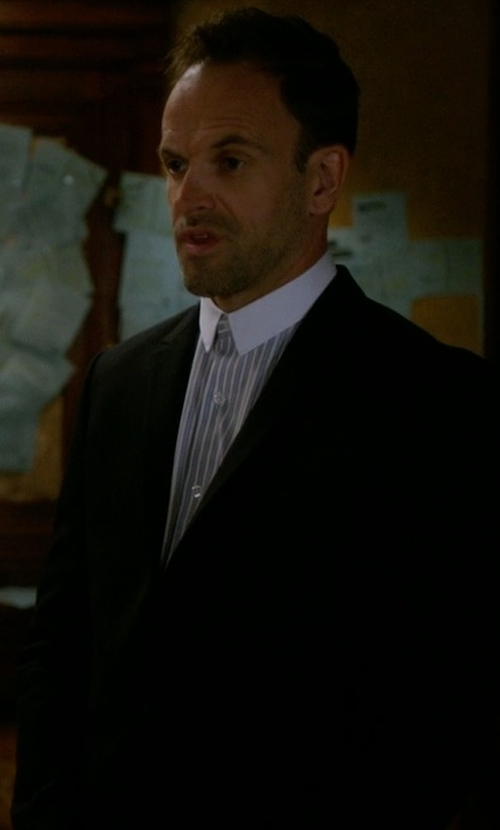Jonny Lee Miller with Paul Smith Two-Piece Suit in Elementary