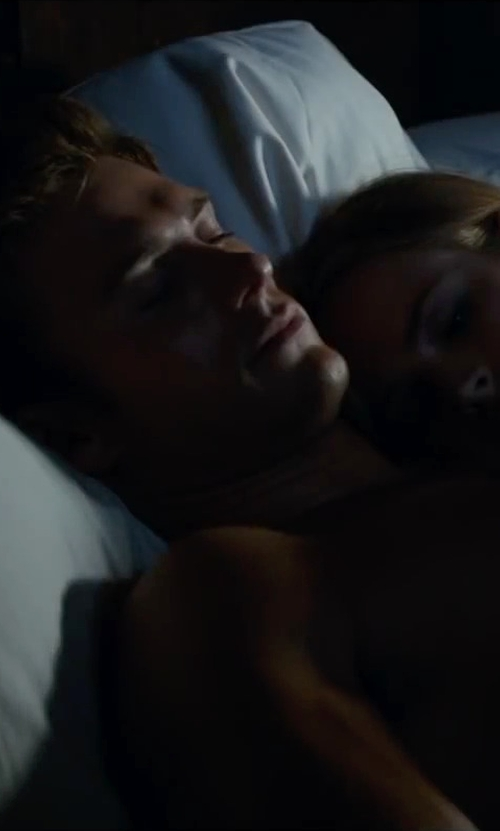 Scott Eastwood with Authentic Comfort Memory Foam Pillow in The Longest Ride