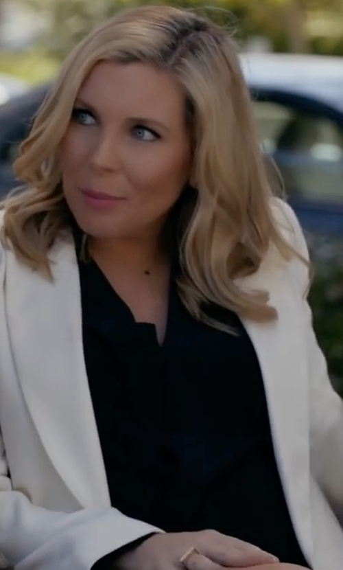 June Diane Raphael with ASTR Gloria Top in Grace and Frankie