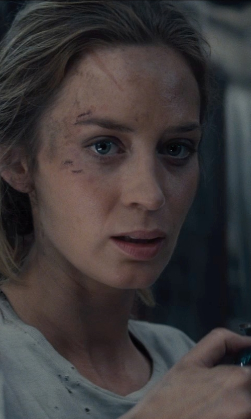 Emily Blunt with WAECHTERSBACH FUN FACTORY Mug in Edge of Tomorrow