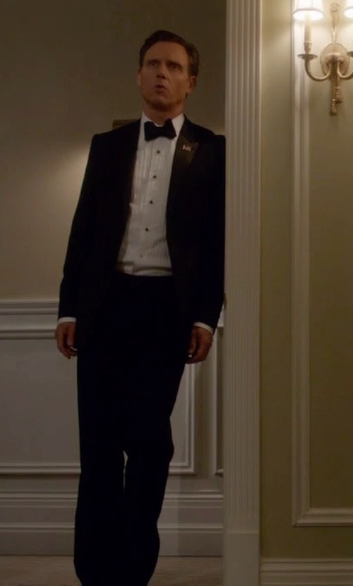 Tony Goldwyn with Giorgio Armani Classic Suit in Scandal