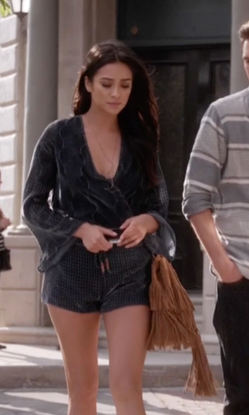Shay Mitchell with Zara Fringed Suede Bucket Bag in Pretty Little Liars