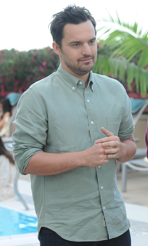 Jake Johnson with Cutter & Buck Epic Easy Care Nailshead Shirt in New Girl